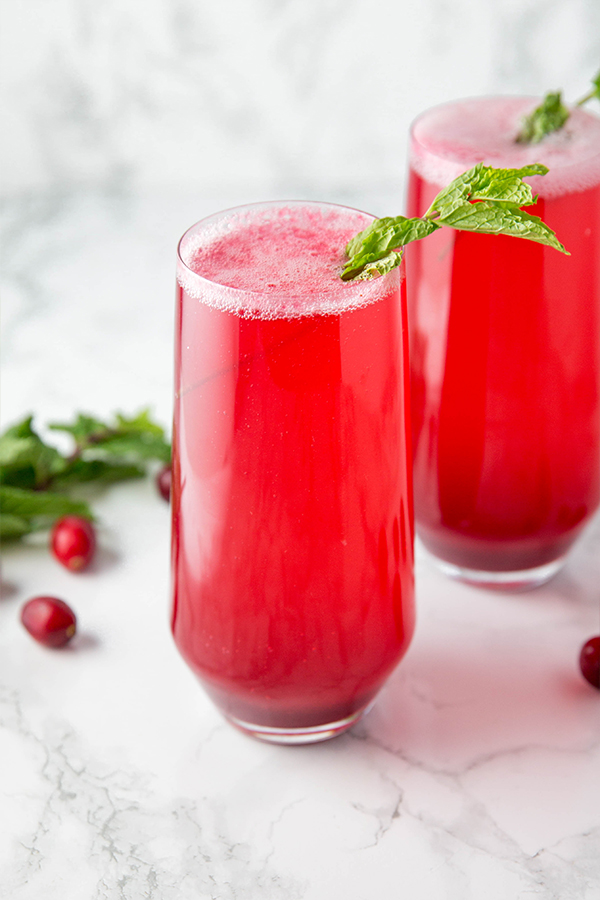 sparkling cranberry mocktail