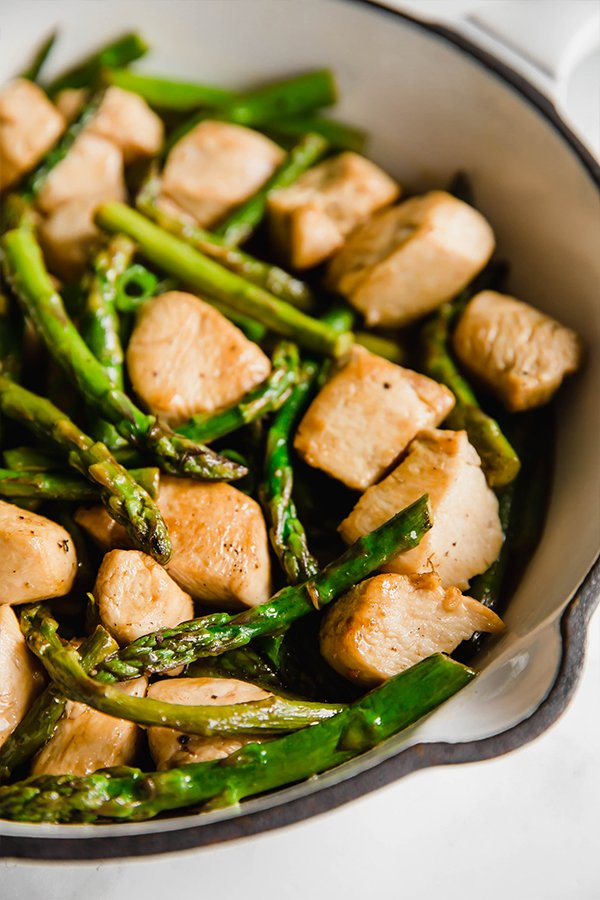 lemon asparagus chicken skillet