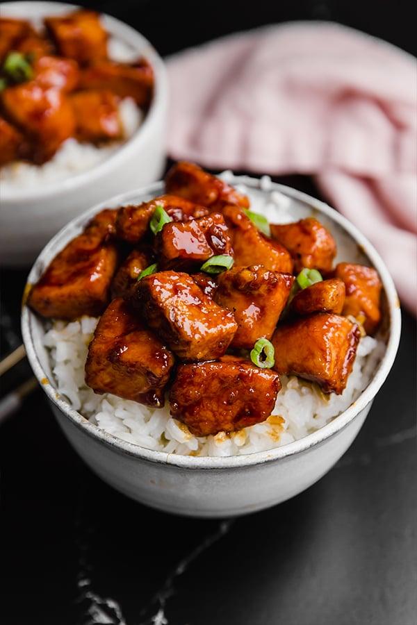 paleo general tso's chicken in bowl