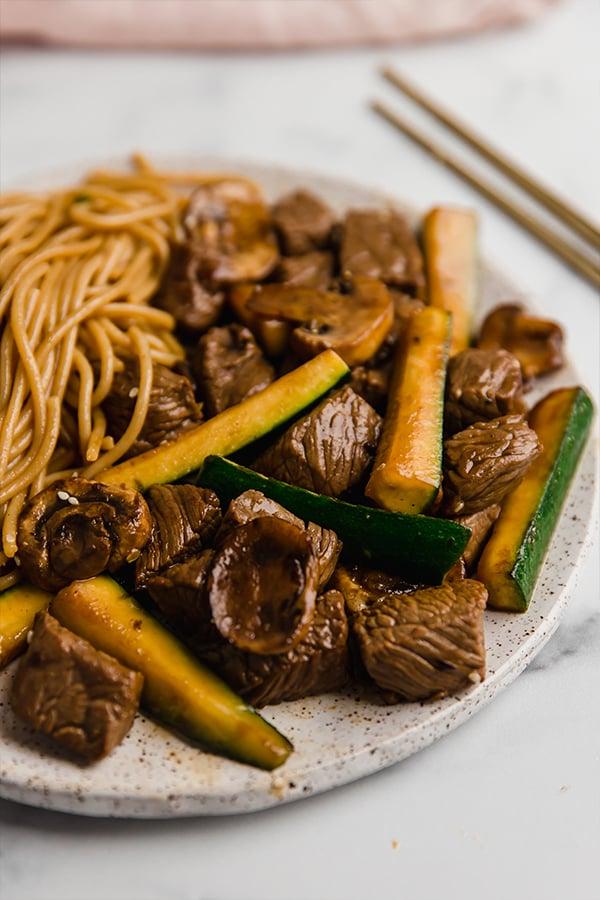 hibachi steak with noodles