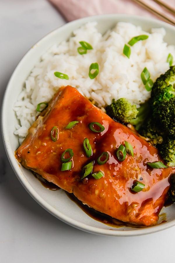 teriyaki salmon bowl with broccoli and rice